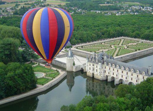Hot-Air Balloon Ride - Châteaux de la Loire