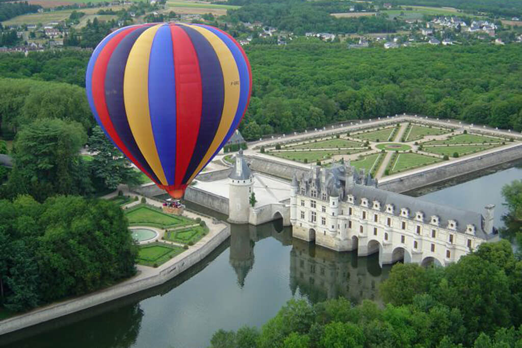 Hot-Air Balloon Ride - Châteaux de la Loire