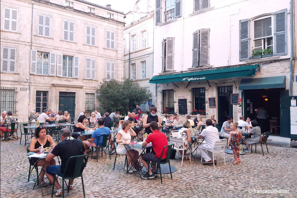Place Saint Pierre - Avignon