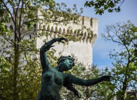 statue Avignon
